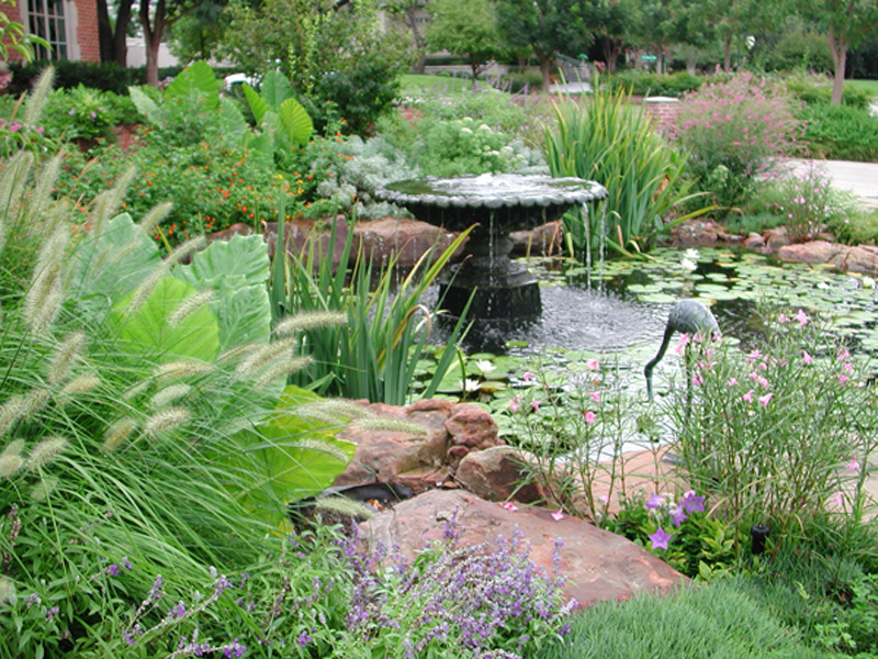 Gardening landscaping gallery bonick landscaping for Small garden pond with fountain