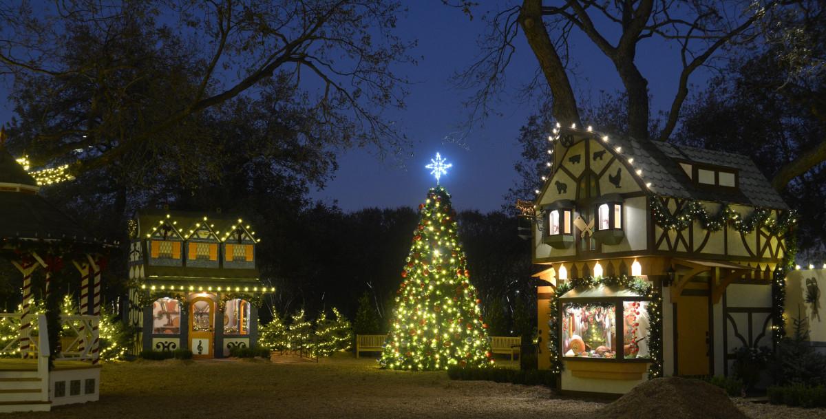 <p>Dallas Christmas Traditions Take On a 2020 Twist 🎶 Don we now our safe apparel, Fa la la la la,…</p>