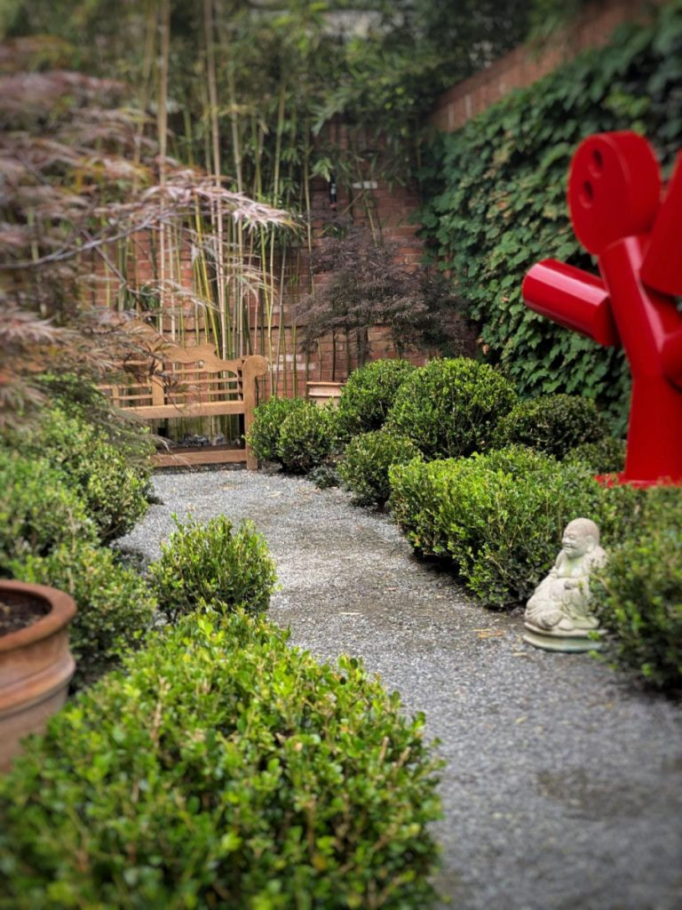 Bonick Landscaping Go Glam with Garden Sculpture
